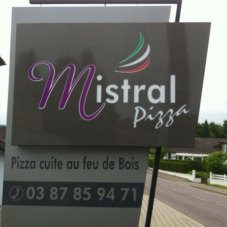 mistral-pizza.jpg