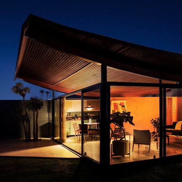 wave-house-stayner-architects-renovation-california-usa-_dezeen_2364_sq-852x852.jpg
