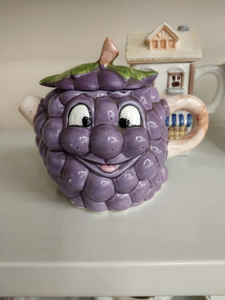Grape face teapot