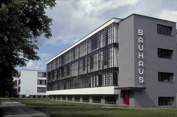 Bauhaus-facade.jpg