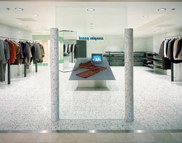 Shiro Kuramata, interior for Issey Miyake in Bergdorf Goodman, New York (1984)