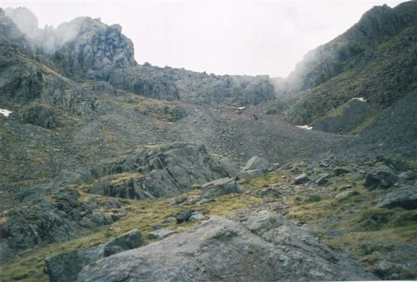 https://commons.wikimedia.org/wiki/File:Mickledore_approach_-_geograph.org.uk_-_1065556.jpg Attribution: Peter Smyly