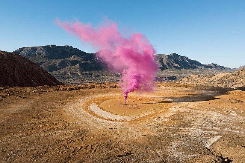 isabelle-alexis-the-blossom-project-smoke-photography-designboom-003.jpg
