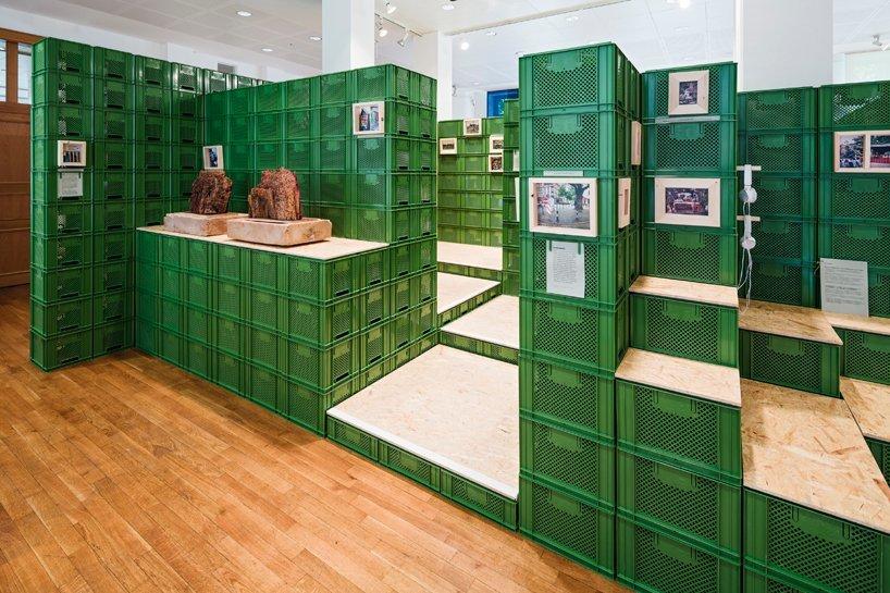 yalla-yalla-exhibition-helden-der-stadt-germany-designboom-05.jpg