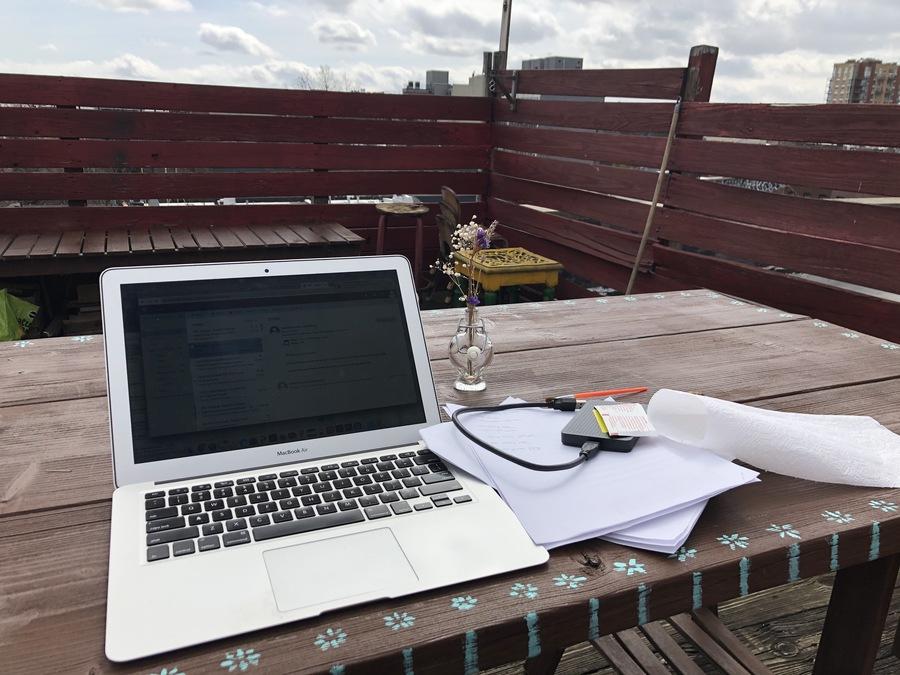 Figure 9: Nazlı's DIY rooftop desk