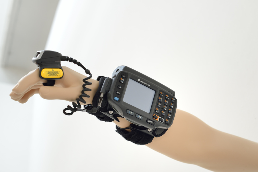6.-motorola-wt4000-wearable-terminal.jpg