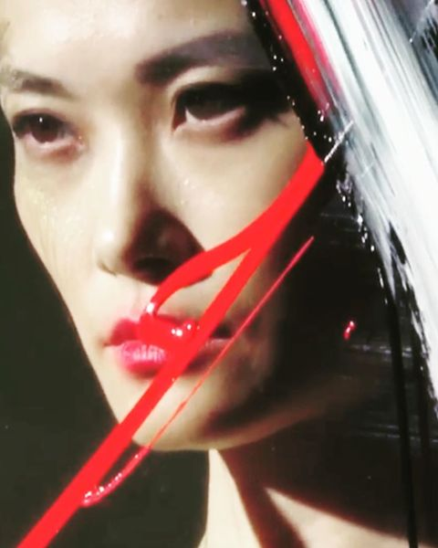 Stills from the @showstudio film of the brilliant @robunett painting @urnotchrislee for @voguechina and @showstudio . Team: ...