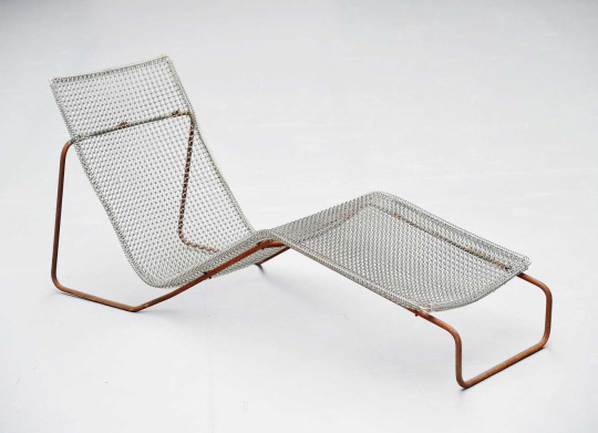 "Niall O'Flynn_""Ruffian"" lounge chair (1997)"