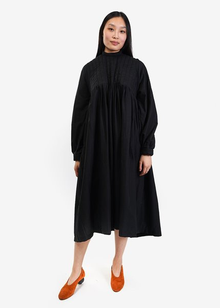 323-dress-new-classics-studios-canada-1_2048x.jpg?v=1576105130