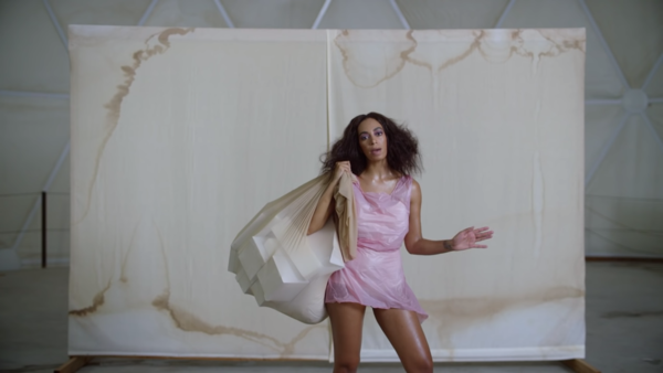 solange-cranes-in-the-sky-video-0-44-screenshot.png