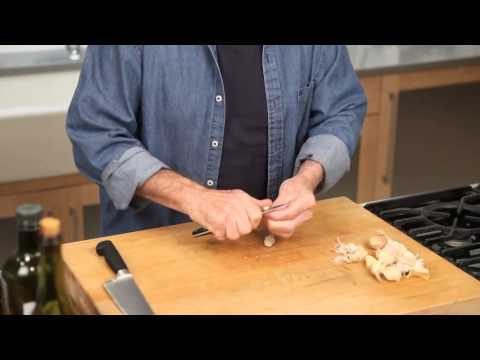 Jacques Pépin- Immaculate garlic technique...