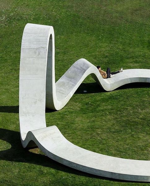 This time of year calls for reflection. Concrete sculpture designed by creative studio @fahr021.3