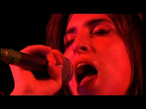 Amy Winehouse - Take The Box & Love Is Blind & Fuck me Pumps & Interview - T In The Park - 2004