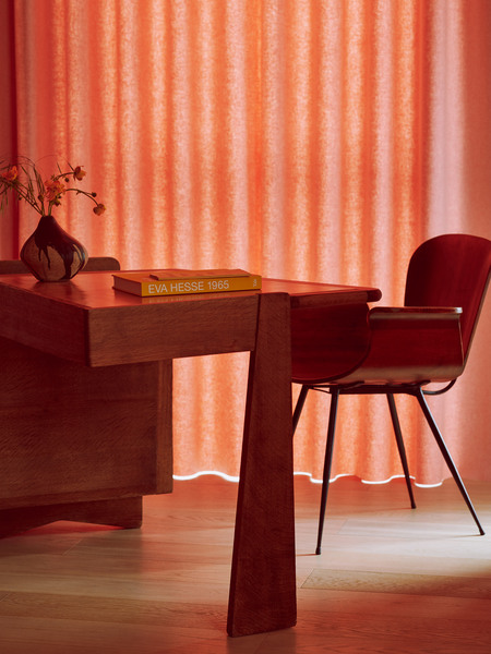 roksanda-ilincic-penthouse-apartment-interiors-kings-cross-london_dezeen_2364_col_6.jpg