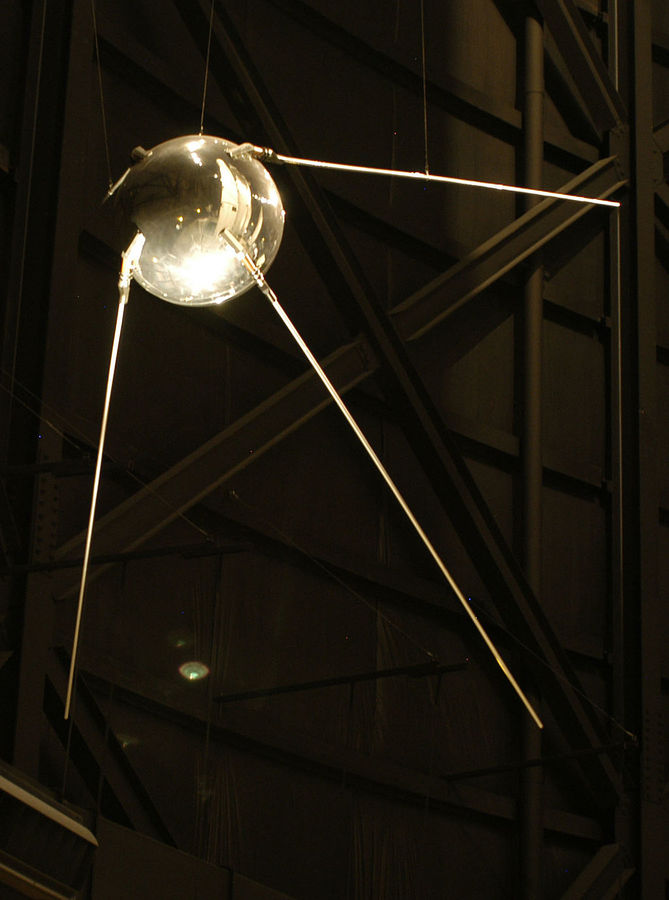 1024px-Sputnik_1.jpg