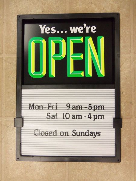 158563128_new-open-closed-sign-changeable-message-hours-board.jpg