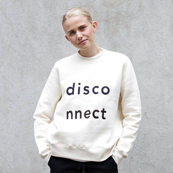 Ny vecka, nya kläder! Butiken är full med nyheter både till dam och herr. Annie har på sig sweatshirt från Wood Wood. Butiken har som vanligt öppet till 18:30! ☀️☀️☀️