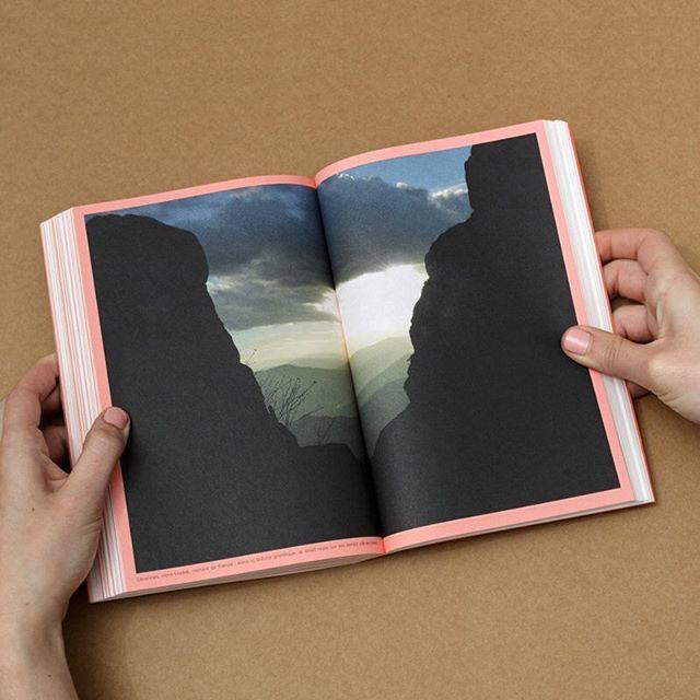 #bookdesign #michelpena #jouir #jouer du #paysage #landscape #paysagiste #graphicdesign #cevennes #update #guide