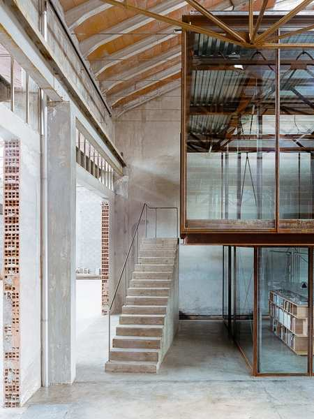 amaa-architecture-office-within-former-factory-arzignano-italy-yellowtrace-01.jpg
