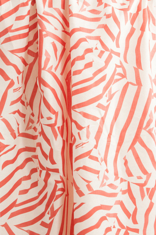 Flat Vernacular fabric in Cream Puff