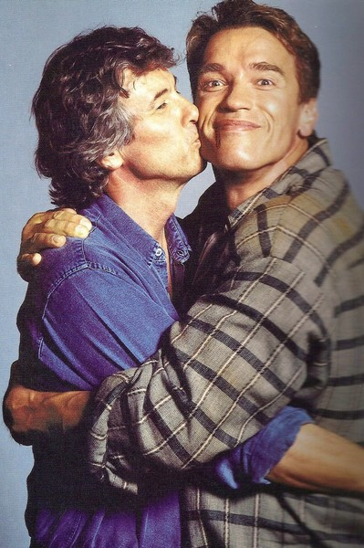 Kiss from Paul to Arnold.  TOTAL RECALL (1990)