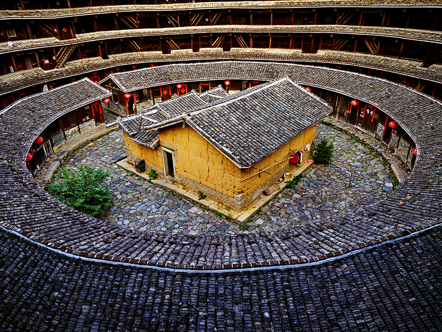 tulou-mud-house-china_89281_990x742.jpg