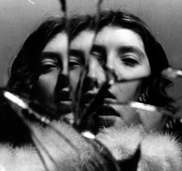 Francesca Woodman – Broken Mirrors