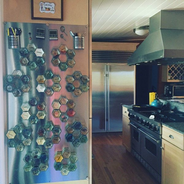 8_stainless_kitchen_custom_wall_plate_suzie.jpg?v=1541653249