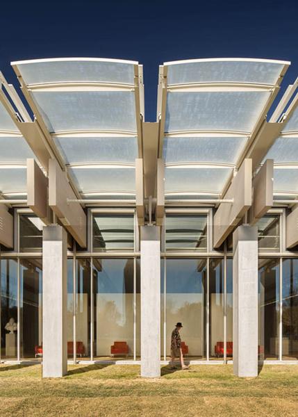 kimbell-art-museum-by-renzo-piano_dezeen_4.jpg