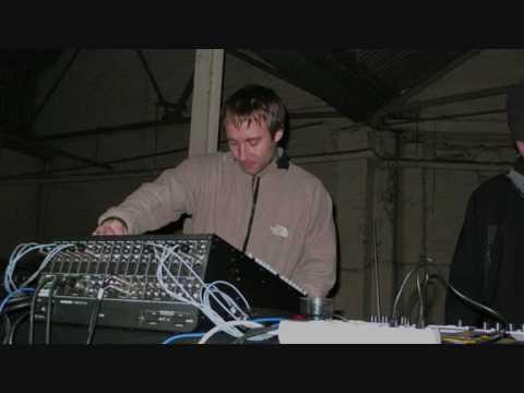 Autechre - Live At Oscillate, Birmingham 1993 Part 1-2