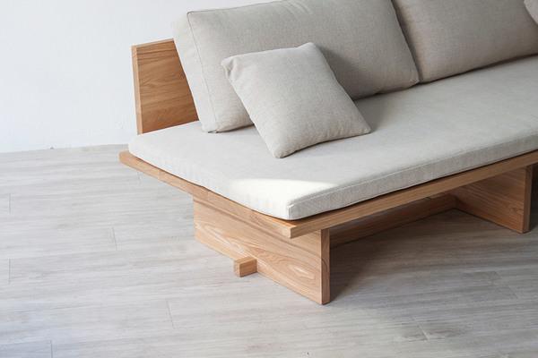 blank-daybed-sofa-cho-hyung-suk-design-studio-munito-design-furniture-_dezeen_2364_col_2-1.jpg