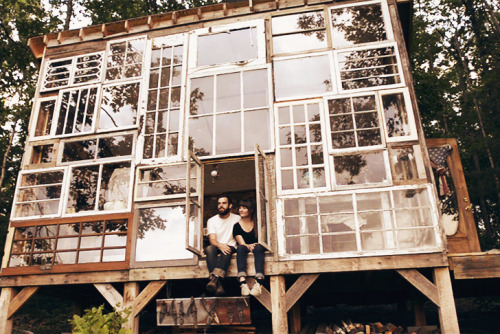 vixenelle: x: Couple Nick Olsen and Lilah Horwitz left their jobs and built this home completely built from windows.