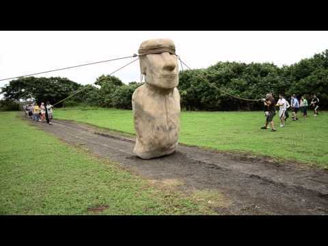 """Researchers have used a replica moai to show how the giant statues may have been """"walked"""" to where they are displayed. Read more: http://www.nature.com/news/1.11613 Video courtesy of Carl Lipo."""