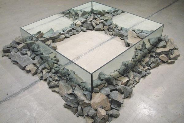 Robert-Smithson-Rocks-and-mirror-square-II.jpg