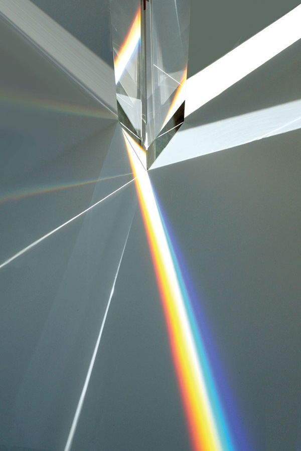 Experimenting-with-Light-Space-Art-by-Tokujin-Yoshioka-7.jpg