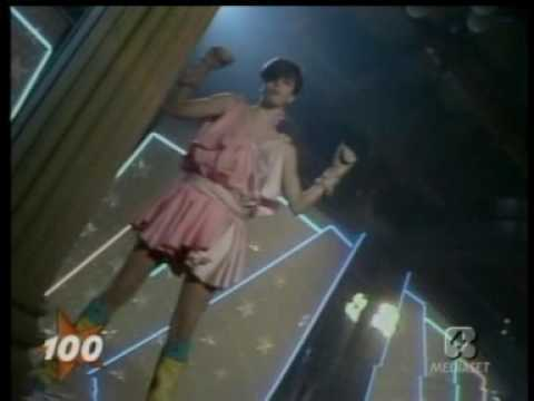 Diana Est - Tenax (Live '82) SEE: http://o-brilho.blogspot.com for italo disco/electro podcasts and more.