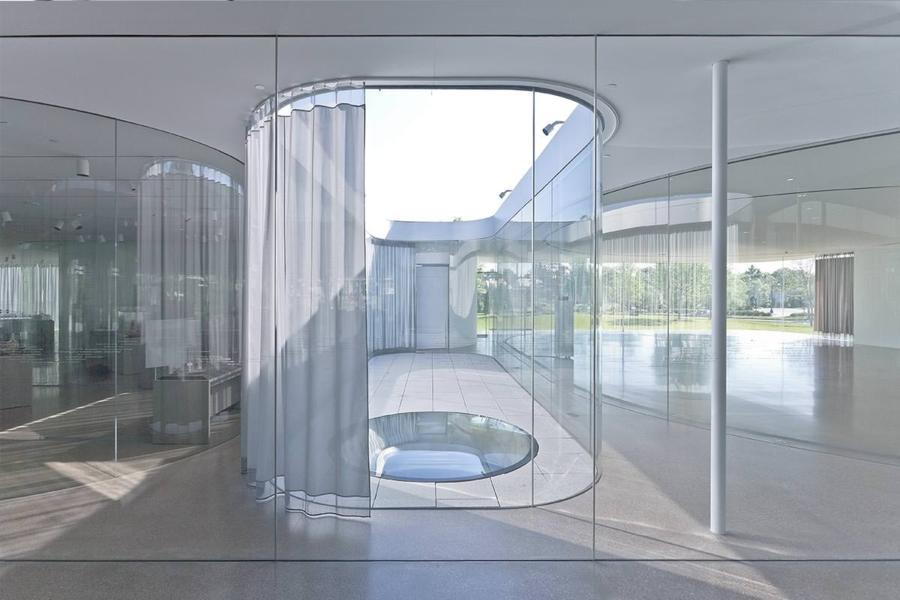 glass pavilion at the toledo museum of art - sanaa