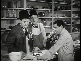 Tit for Tat (B&W) 1935 - Laurel & Hardy