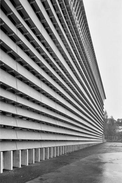 Herzog-de-Meuron-.-Ricola-Storage-Building-.-Laufen-11.jpg