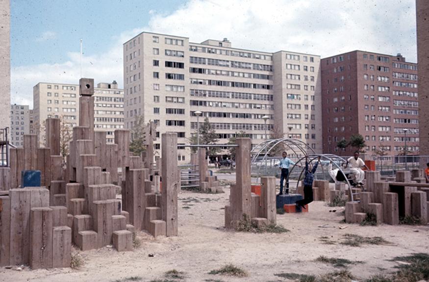 pruitt-igoe-timberform-playground-paul-friedberg-1968_1.jpg