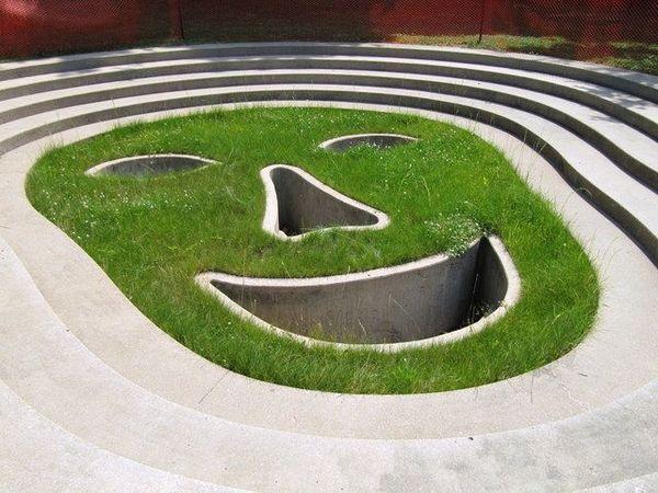 Vito Acconci, Face of the Earth (grass)