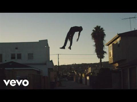 """Download Vince Staples debut album """"Summertime '06"""" now: http://smarturl.it/Summertime06?IQid=... Stream on Spotify: http://smarturl.it/sSummerTime06?IQid... iTunes: http://smarturl.it/iSummertime06?IQid... Google: http://smarturl.it/gSummertime06?IQid... Amazon: http://geni.us/aSummertime06 More From Vince Staples: http://www.vincestaples.com http://www.facebook.com/vincestaples http://twitter.com/VinceStaples http://instagram.com/VinceStaples http://smarturl.it/VinceStaplesSpotify http://vincestaples.tumblr.com Music video by Vince Staples performing Lift Me Up. (C) 2016 Def Jam Recordings, a division of UMG Recordings, Inc."""